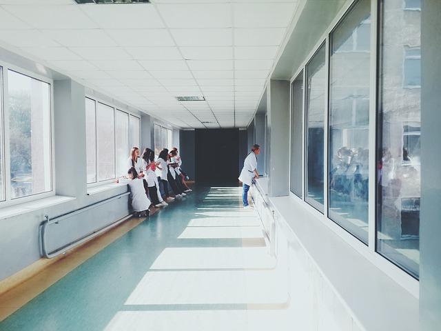 病院内で迷子になる