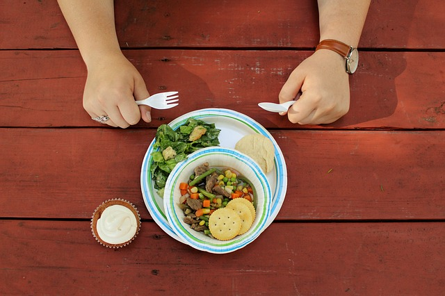 一人で食べる