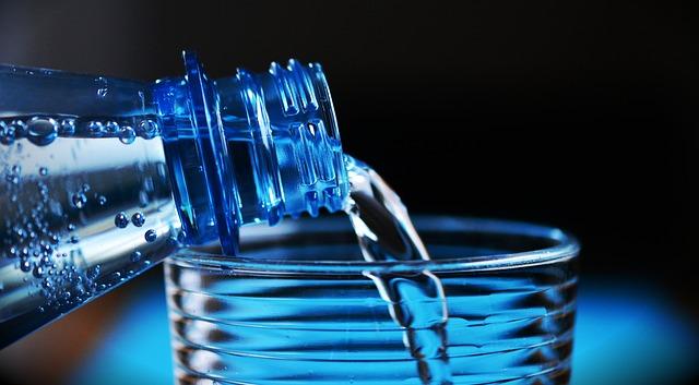 キレイな水を飲む